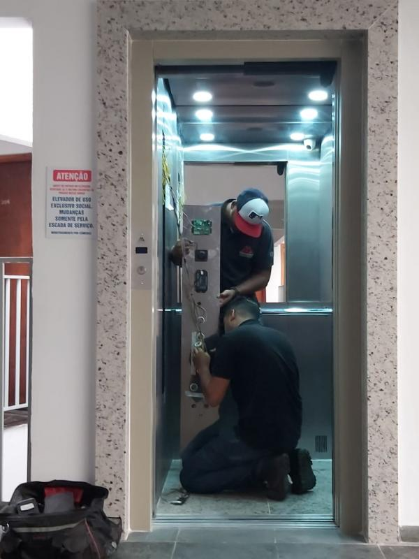 Conserto elevador